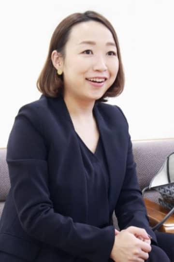 「オンラインで食材から資材までワンストップで供給できる強みは、マーケットに合致する」と自信をのぞかせる黒須綾希子社長=津久見市内