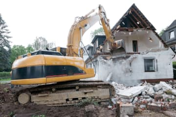 今後、戸建住宅の解体・改修でもアスベスト対策求められる(写真はイメージ)