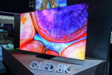 """<CES>サムスン、""""99%画面""""の8K液晶テレビをアピール。Galaxy最新スマホや曲率1000Rモニターなど展示"""