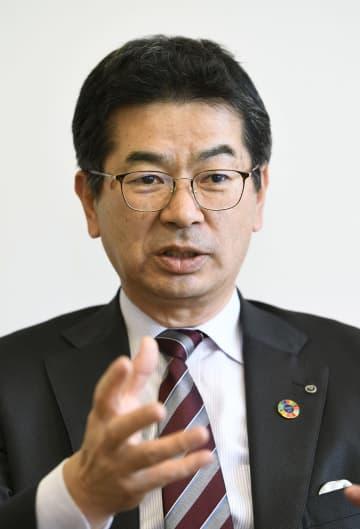 インタビューに応じるNTT西日本の小林充佳社長