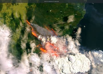 This satellite image shows wildfires burning across Australia. (Copernicus Sentinel Imagery via AP) (Copernicus Sentinel Imagery via AP/)