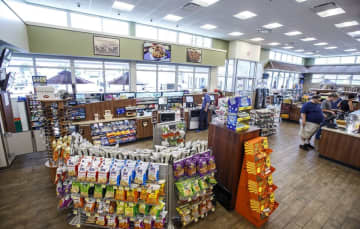 There are just 10 Royal Farms stores in New Jersey. (Photo by Dan Gleiter | PennLive) (Dan Gleiter | dgleiter@pennlive/)
