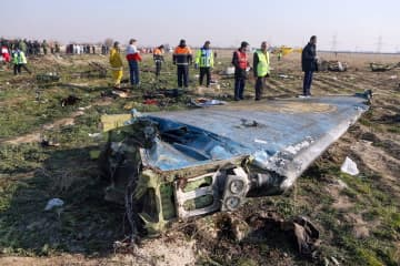 AFP=時事 テヘラン近郊に散乱したウクライナ航空機の残骸