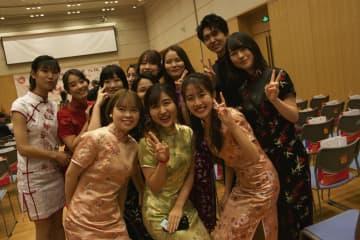 中日の新成人による「友好成人式」、在中国日本大使館で開催