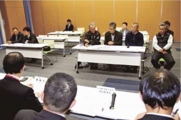 町長選に1陣営、議員補欠選に2陣営が出席した説明会(和歌山県印南町役場で)