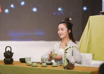 茶を飲む習慣が心血管疾患のリスク下げる 中国の研究者が実証