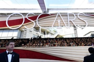 Issa Rae and John Cho announced the 2020 Oscar nominations on Monday, Jan. 13. Pictured above: Last year's red carpet. (Kevork Djansezian/)