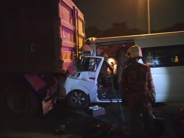バド桃田選手が負傷 マレーシアで交通事故