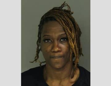 Miesha Robinson, 34, of Newark (Newark Police/)