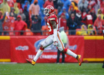 Eric Berry #29 of the Kansas City Chiefs celebrates his teams fumble recovery at Arrowhead Stadium during the third quarter of the game against the Buffalo Bills on November 29, 2015 in Kansas City