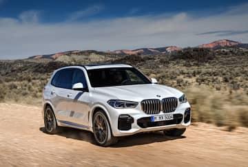 X5=BMWグループ提供