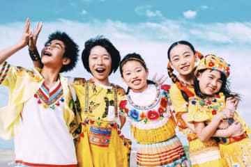 第92回選抜高校野球大会開会式の入場行進曲「パプリカ」を歌う小中学生男女5人のユニット、Foorin((C)Taro Mizutani)