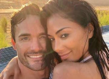 Nicole Scherzinger & Boyfriend Thom Evans Get Wet In Cabos San Lucas
