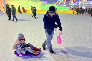 黒竜江観光、昨年2億人超 「氷雪世界」が人気