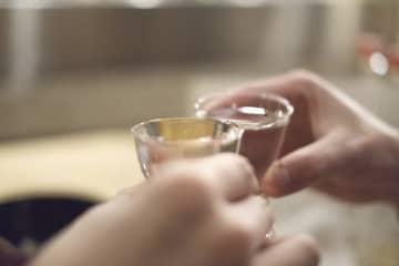 藤原竜也がバラした吉田鋼太郎の酒癖 飲んでる途中に「忘れてた今日撮影だ!」