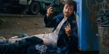 オタクのゲーム開発者がガチデスマッチに参戦する新作映画「Guns Akimbo」予告編公開! ダニエル・ラドクリフ主演