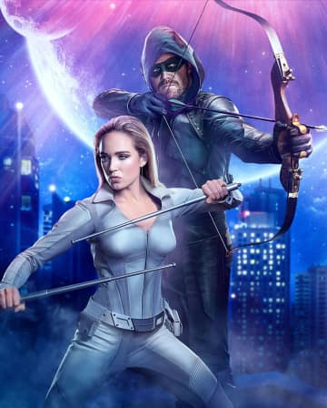 "Caity Lotz is Sara Lance/White Canary and Stephen Amell is Oliver Queen/Green Arrow in ""Crisis of Infinite Earths."" - The CW/TNS/TNS"