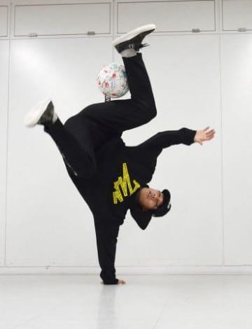 ボールを操って華麗な技を決める森脇昂平さん