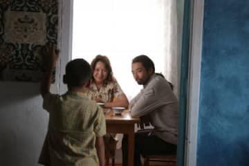 日本・カザフスタン合作映画『オルジャスの白い馬』より主演のサマル・イェスリャーモワと森山未來