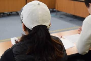 記者会見にのぞむフィリピン人女性(2020年1月17日/弁護士ドットコム撮影)