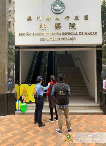 落し物のスマホの返却めぐり金銭を要求したとして脅迫罪で送検される中国本土出身の女(写真:マカオ治安警察局)