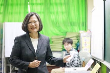 Taiwan's President Tsai Ing-wen casts her vote on election day at Hsiulang Elementary School on January 11. Photo: Democratic Progressive Party.