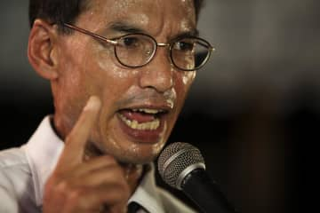 Korn Chatikavanij has left the Democrat Party after 15 years. Bangkok Post photo