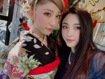 リアル姉妹ユニット、ROSE A REALの妹が姉と共に晴れ着姿を披露!美しすぎると話題に!
