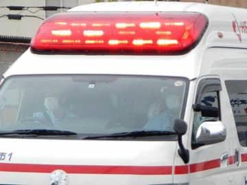 救急車と自転車が接触、女児けが