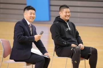 兄・裕史さん(左)とのトークコーナーに参加したレイズ・筒香嘉智【写真:津高良和】