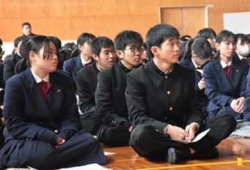 税や選挙について学ぶ宮崎農業高の生徒たち