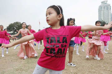 Tala for Taal: Women twirl for donations