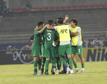 Saudi Arabia players celebrate after scoring against Thailand at Thammasat Stadium on Saturday night. (Photo by Pattarapong Chatpattarasill)