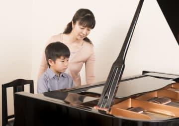 子どもの才能を伸ばすため、習い事をさせてあげたいけれど…(Annchan/stock.adobe.com)