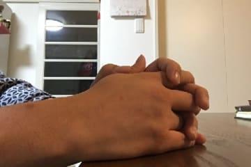 私語禁止、壁に向かって反省文、職員のモラハラ…虐待から逃れた子どもが「一時保護所」で直面するリアル