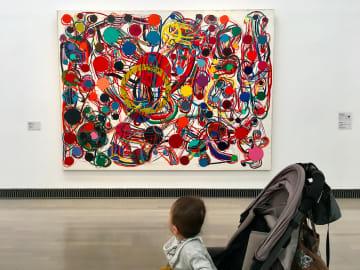 横浜美術館のコレクション展で。作品は田中敦子《作品79X》(1979) - 撮影:ayako
