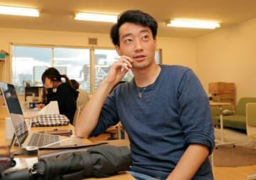 「オンライン相談は前年の4倍のペースで増えている。ニーズはめちゃくちゃ大きい」と語る今井さん(大阪市中央区・D×P)