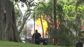 ハワイ高級住宅地で銃撃戦 警官2人死亡 容疑者放火も