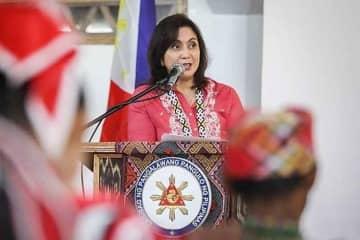 Robredo: Textbooks should highlight injustices of Marcos era