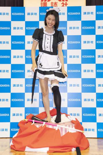 橋本マナミ、ファンの目の前で生着替え「スリリングなイベントでした!」写真集発売記念イベント開催