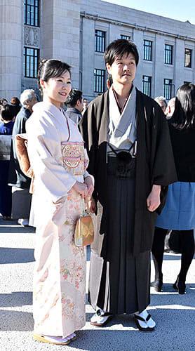 和装できりり、決意新たに 鈴木、加藤衆院議員ら通常国会に臨む 画像