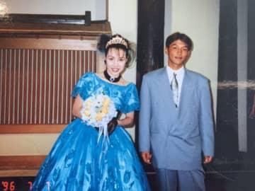 坂口真弓さんと弟の悟さん(写真:坂口さん提供)
