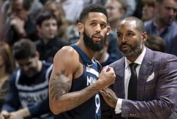 Allen Crabbe (9) of the Minnesota Timberwolves speaks with assistant coach David Vanterpool during the game against the Denver Nuggets Monday, Jan. 20, 2020 at the Target Center in Minneapolis, Minn. - Carlos Gonzalez/Minneapolis Star Tribune/TNS