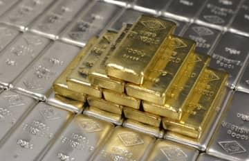 Gold price drops in Azerbaijan