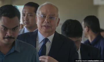 Ruling tomorrow on Najib's bid for handwriting expert