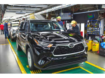 北米トヨタは、合計13億ドルを投じてインディアナ州のToyota Motor Manufacturing, Indiana, Inc.(TMMI)工場をリニューアル・刷新、ミッドサイスSUV「RAV4」ほかの生産を行う
