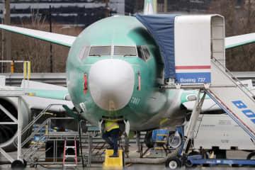 駐機する米ボーイングの「737MAX」=2019年12月、米ワシントン州レントン(AP=共同)