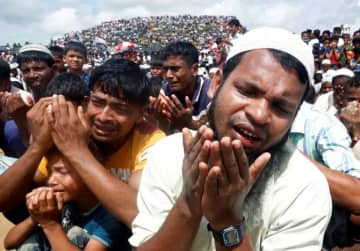750,000 Rohingya have fled from the state of Rakhine, in Myanmar since August 2017 following a brutal military crackdown by the Myanmar military against the Rohingya people.