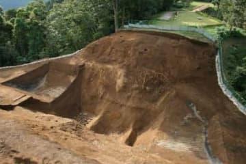 <城マニア必聴>新東名工事で「河村新城」の一部が壊れる?発掘調査した講師が文化講演