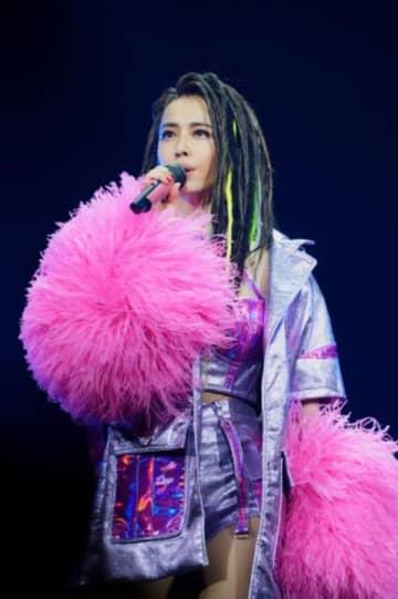 新型ウイルス肺炎で人気歌手のコンサートも大混乱!ジョリン・ツァイら、相次いで延期や中止発表